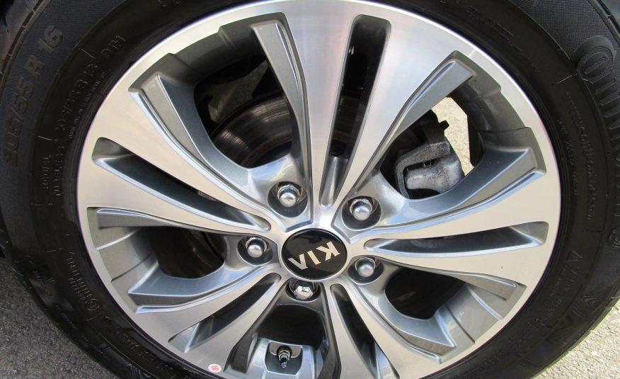 Kia Venga ISG 3 MPV 19 Reg